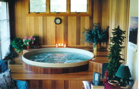 Round Wooden Hot Tubs | Spa Covers | Great Northern® Engineering